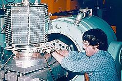 Riaditeľ projektu J.King W3GEY pri testoch AO-7