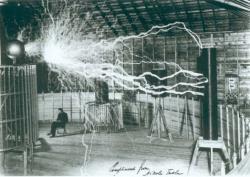 Nikola Tesla v laboratóriu