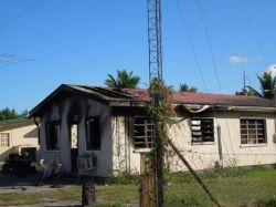 V26B shack zničený ohňom