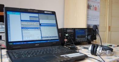 N1MM rádioamatérsky log a Icom TCVR pripravené do contestu