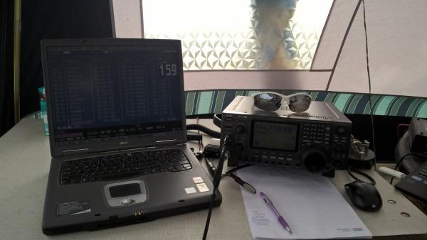 Klasická zostava VKV rádioamatéra s Atalanta Locatorom