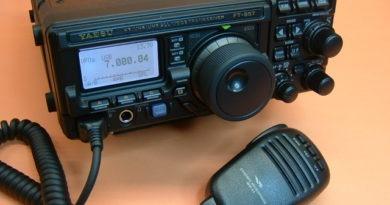 Yaesu FT-897 TCVR