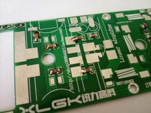 Condensatori di blocco dell'amplificatore VHF MRF9180 / MRF186